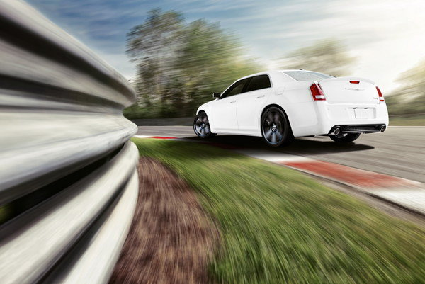 under the hood of the 2013 chrysler 300 srt8 the 6 4 liter hemi v 8. Cars Review. Best American Auto & Cars Review