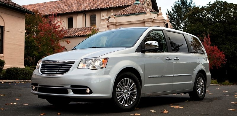 2014 Chrysler Town & Country High Resolution Exterior - image 517010