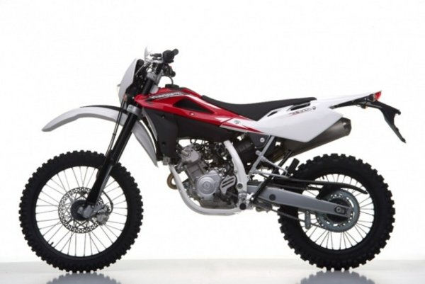 2013 husqvarna te125 motorcycle review top speed. Black Bedroom Furniture Sets. Home Design Ideas