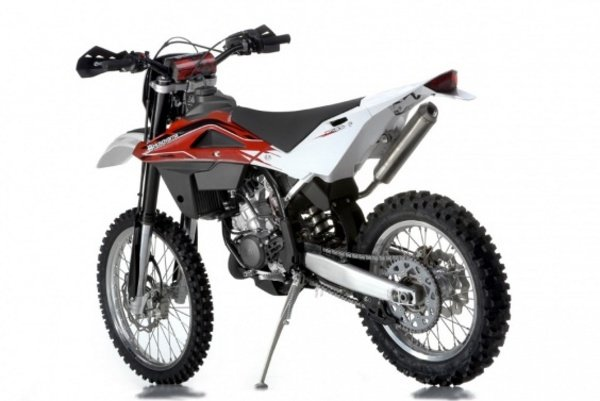 2013 husqvarna wr125 motorcycle review top speed. Black Bedroom Furniture Sets. Home Design Ideas