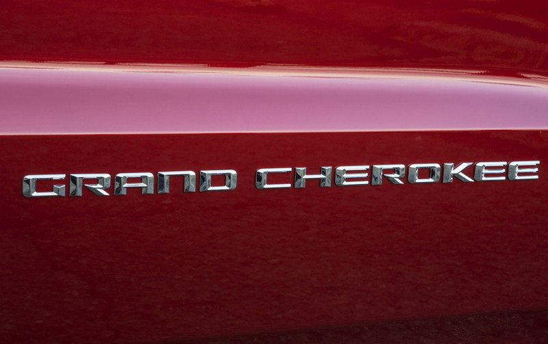 2014 Jeep Grand Cherokee Emblems and Logo Exterior - image 513924