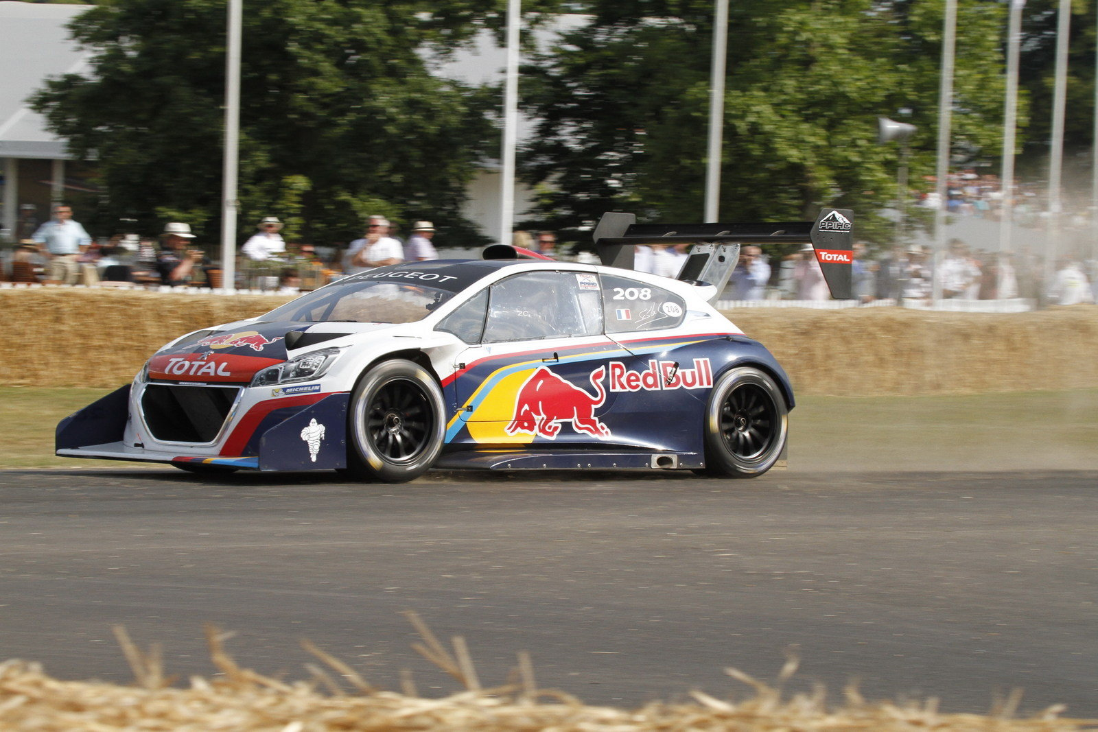 peugeot 208 t16 wins its second hill climb of 2013 at goodwood picture 515479 car news top. Black Bedroom Furniture Sets. Home Design Ideas