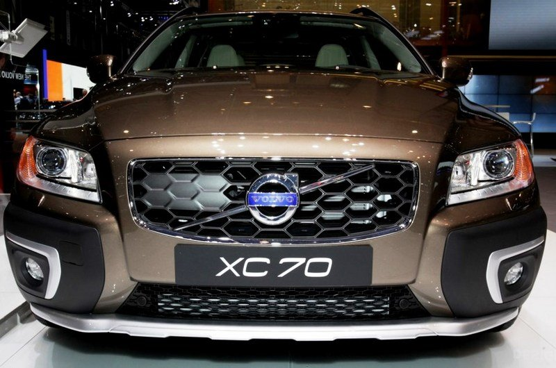 2014 volvo xc70 review top speed. Black Bedroom Furniture Sets. Home Design Ideas