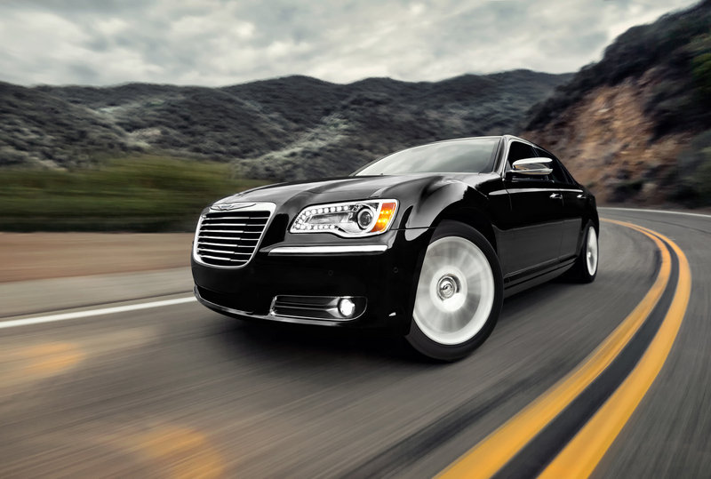 2013 Chrysler 300 High Resolution Exterior - image 517545