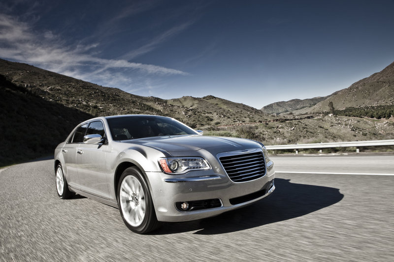 2013 Chrysler 300 High Resolution Exterior - image 517506