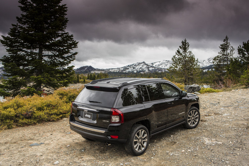 Wallpaper of the Day: 2014 Jeep Compass