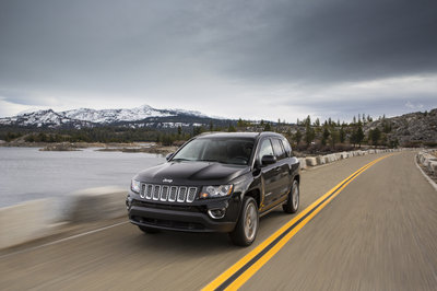 Wallpaper of the Day: 2014 Jeep Compass - image 520823