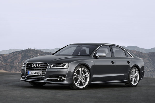 photo of Clive Owen Audi S8 - car