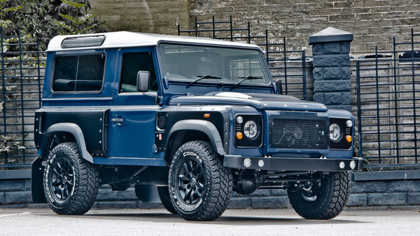 Land Rover Defender 90 - Chelsea Wide Track By Kahn Design