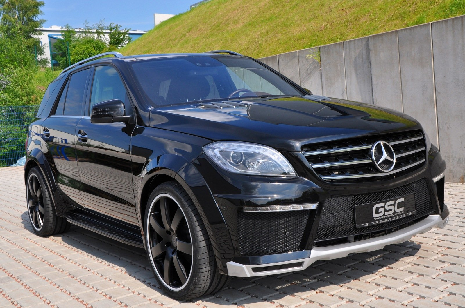 2013 mercedes benz ml widebody by german special customs for Ml mercedes benz