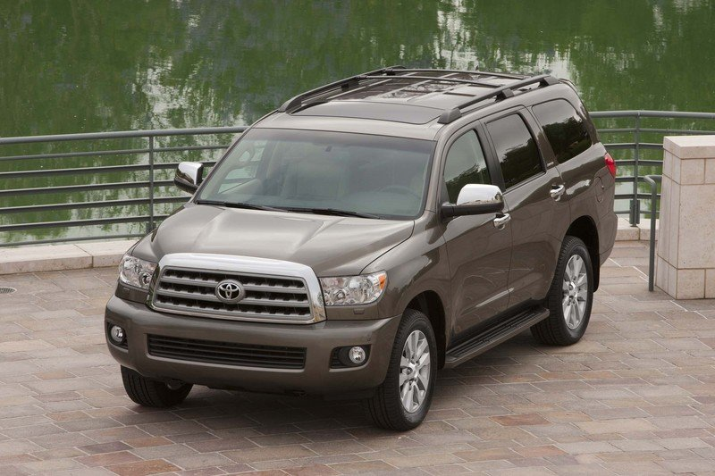 2013 Toyota Sequoia High Resolution Exterior - image 523386