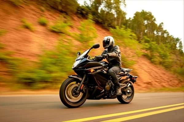 2014 Yamaha Fz6r Motorcycle Review Top Speed