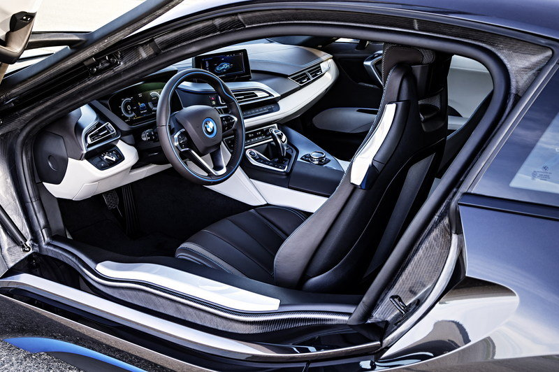 2015 BMW i8 Interior - image 522692