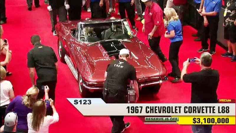 1967 Chevrolet L88 Corvette Sting Ray Convertible Exterior AutoShow - image 523815