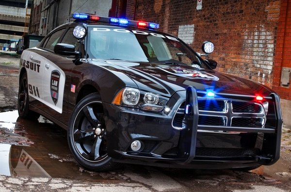 http://pictures.topspeed.com/IMG/crop/201309/dodge-charger-pursui-6_600x0w.jpg