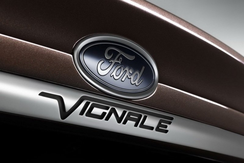 2014 Ford Mondeo Vignale Emblems and Logo Exterior - image 521319