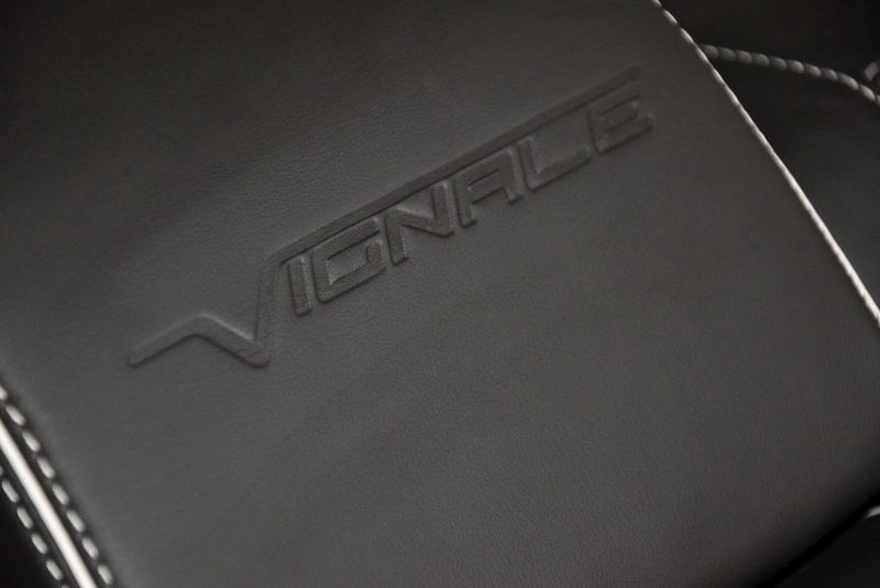 2014 Ford Mondeo Vignale Emblems and Logo Interior - image 521324
