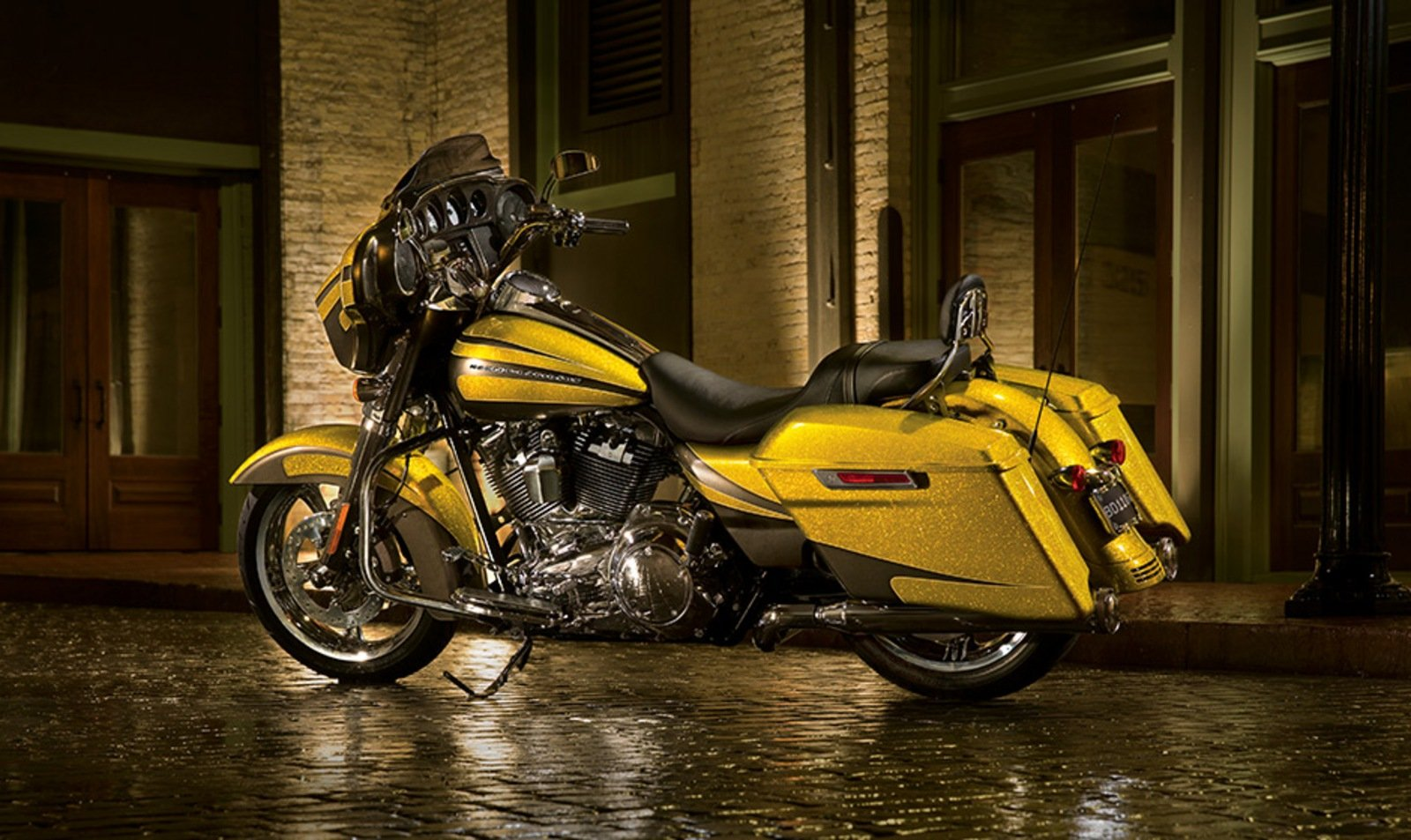 2014 Harley Davidson Street Glide Review Top Speed