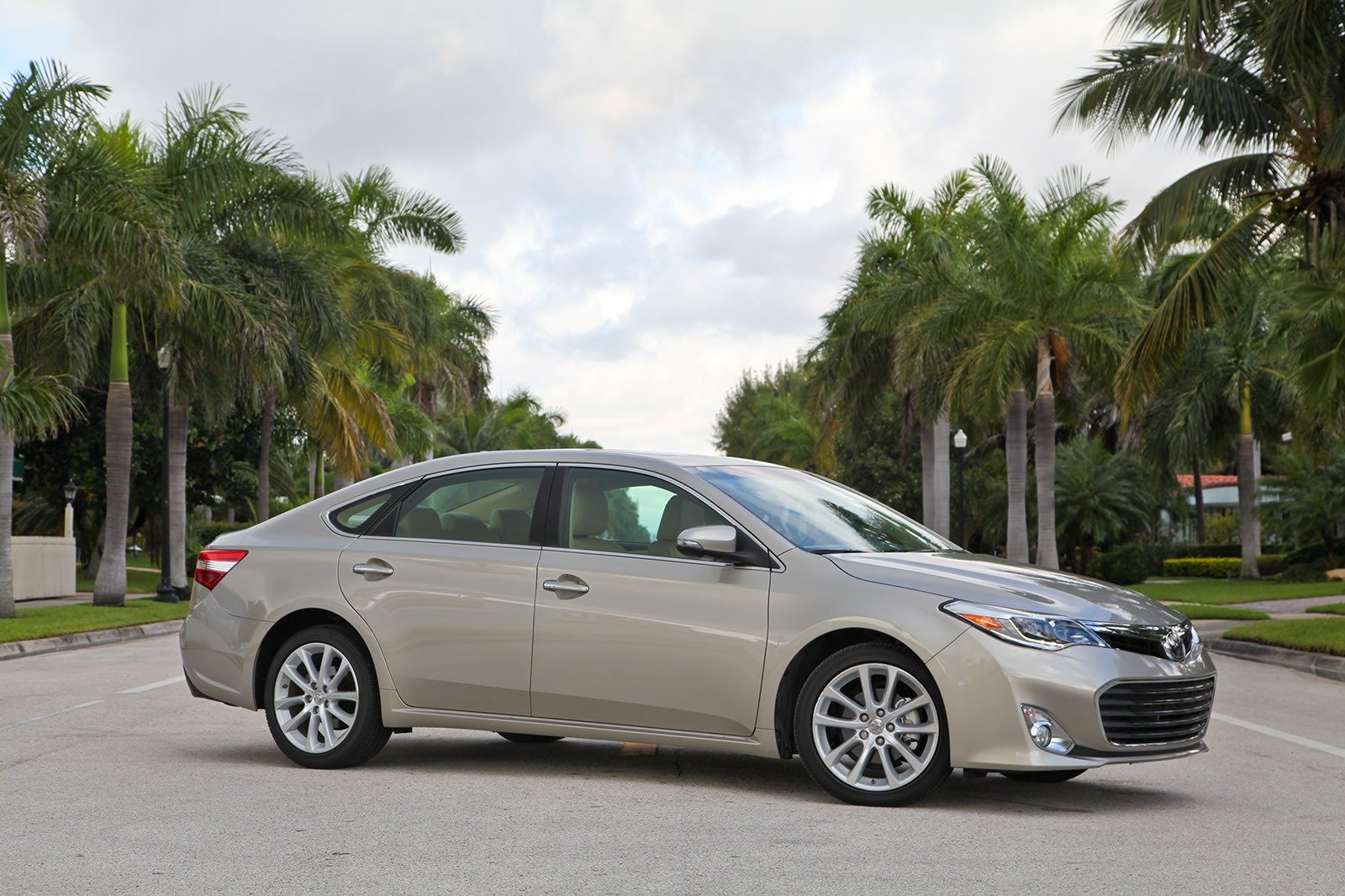 2013 toyota avalon review top speed. Black Bedroom Furniture Sets. Home Design Ideas