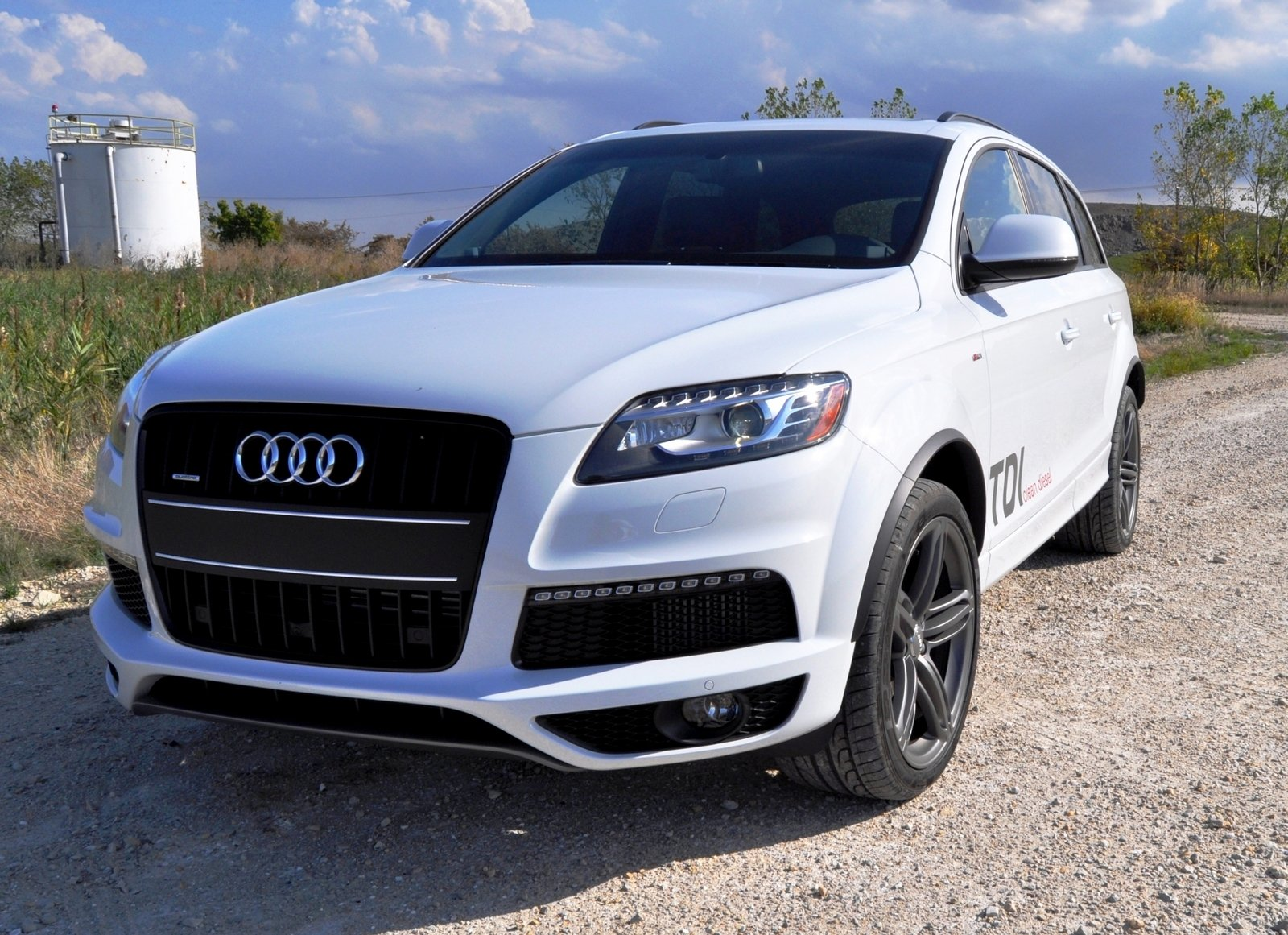 2014 audi q7 tdi s line driven review top speed. Black Bedroom Furniture Sets. Home Design Ideas