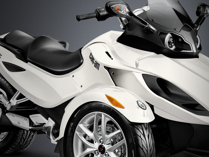 2014 Can-Am Spyder RS Exterior - image 530517
