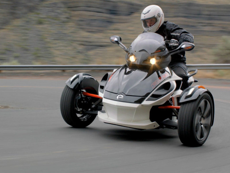 2014 Can-Am Spyder RT Exterior - image 528936