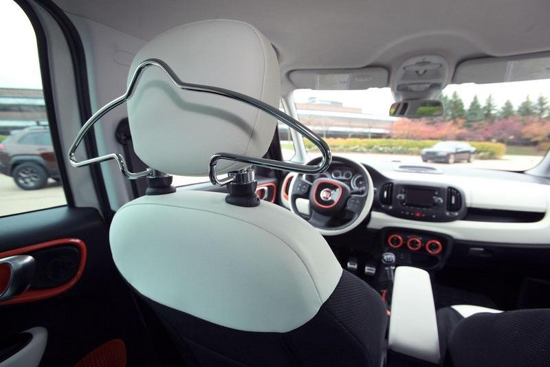 2014 Fiat 500L Adventurer Interior - image 530472