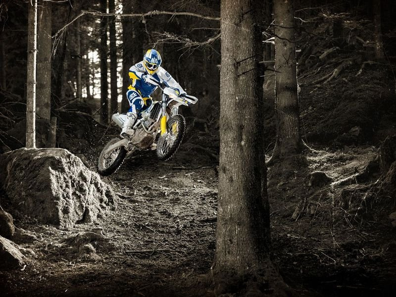 2014 Husqvarna FE 250 High Resolution Exterior - image 528729