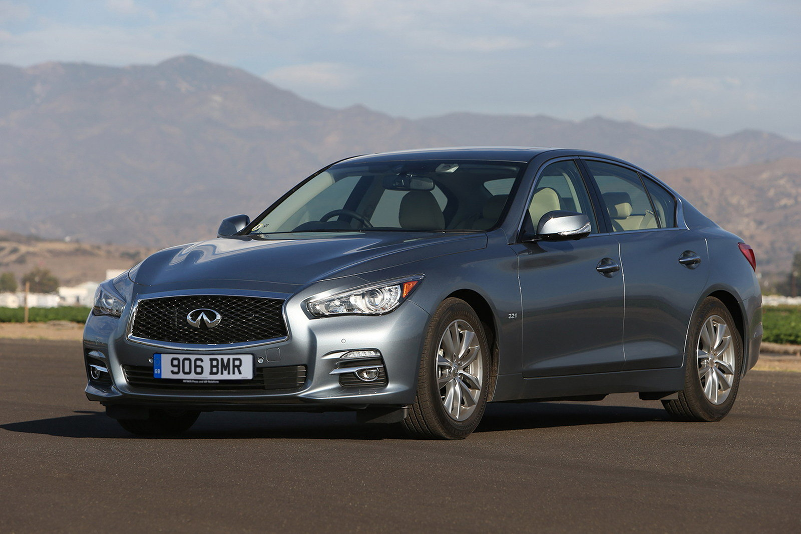 2013 infiniti q50 executive review top speed. Black Bedroom Furniture Sets. Home Design Ideas