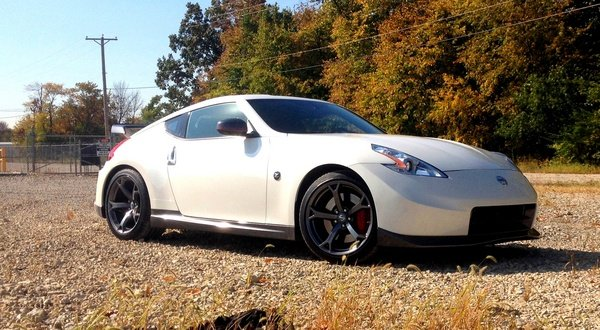 2014 nissan 370z nismo driven car review top speed. Black Bedroom Furniture Sets. Home Design Ideas