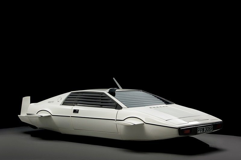 Tesla CEO Buys 007's Lotus-Based Submarine and Has Big Plans for it