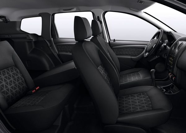 2014 dacia duster car review top speed. Black Bedroom Furniture Sets. Home Design Ideas