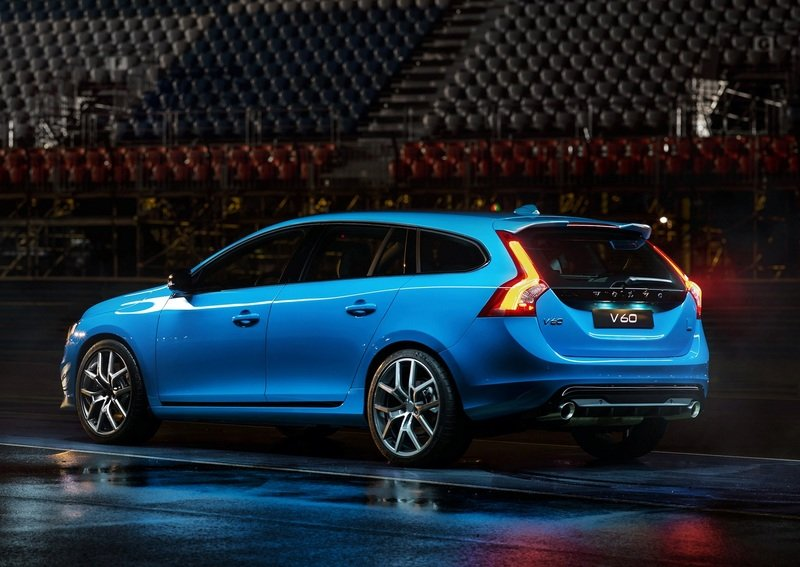 2014 Volvo V60 Polestar Caught Testing: Spy Shots