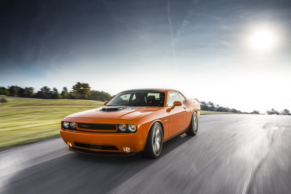 2014 dodge challenger r t shaker car review top speed. Black Bedroom Furniture Sets. Home Design Ideas