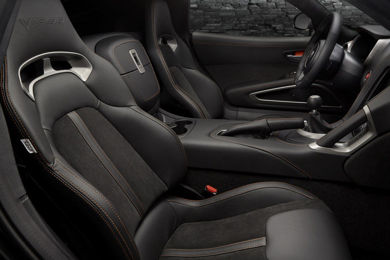 2014 SRT Viper Anodized Carbon Special Edition Interior - image 533208