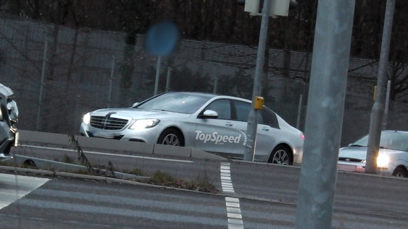 2016 Mercedes-Maybach S-Class Exterior Spyshots - image 536608