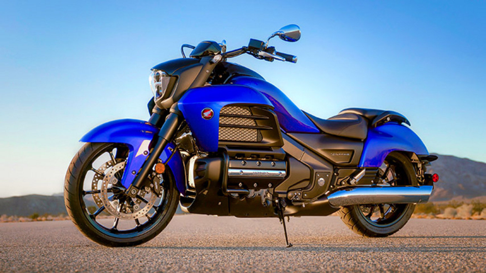 2014 Honda Gold Wing Valkyrie Review - Top Speed