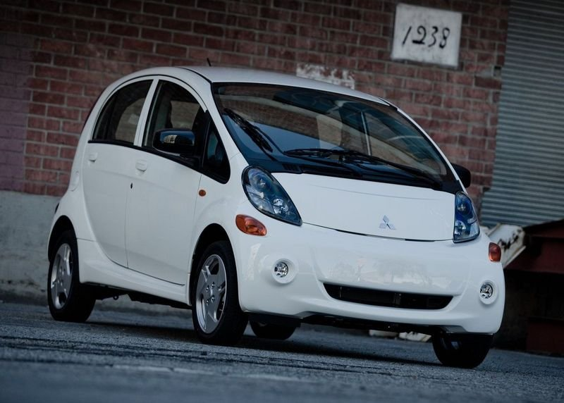 mitsubishi i miev news and reviews top speed. Black Bedroom Furniture Sets. Home Design Ideas