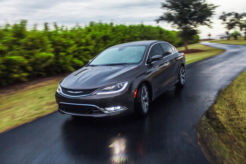 2015 Chrysler 200 High Resolution Exterior - image 538066