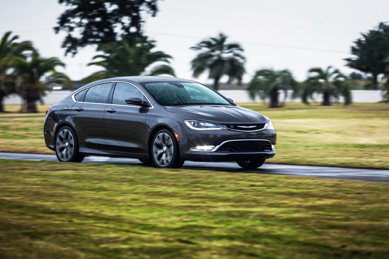 2015 Chrysler 200 High Resolution Exterior - image 538081