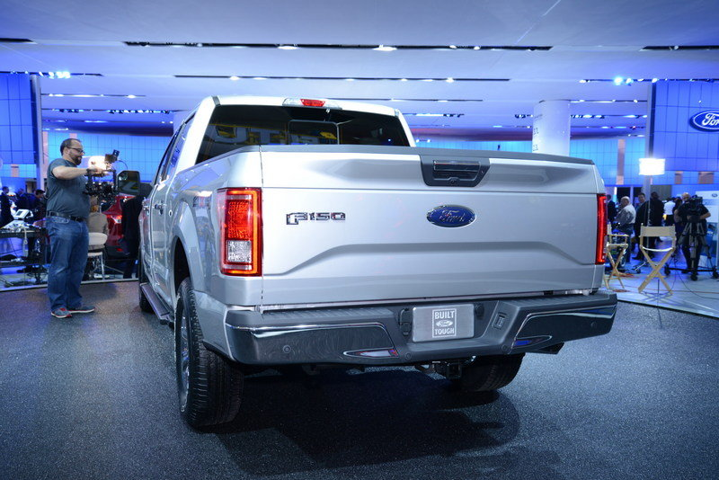 2015 Ford F-150 Exterior AutoShow - image 538323