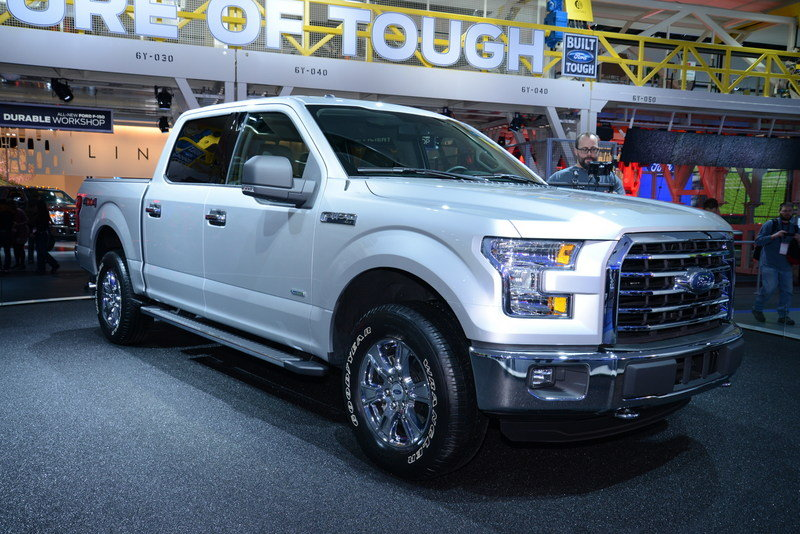 2015 Ford F-150 Exterior AutoShow - image 538327