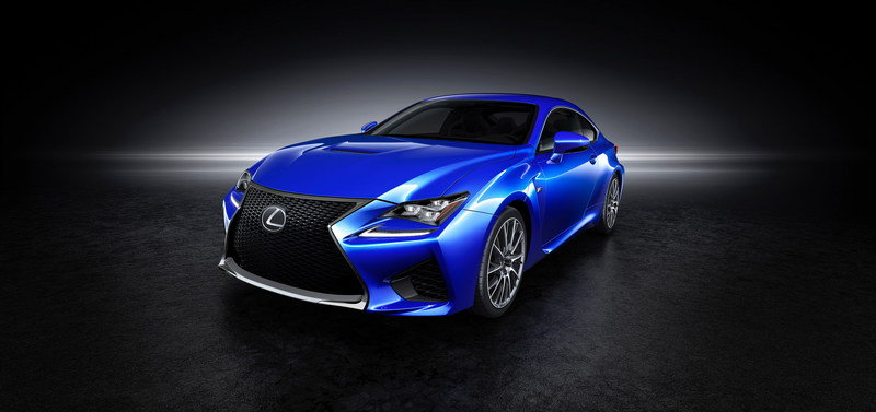 While Other Automakers Focus on Transitioning to EVs, Lexus Invites Aliens to Test Drive the RC F