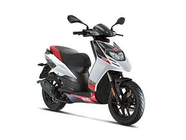 2014 aprilia sr motard 50 motorcycle review top speed. Black Bedroom Furniture Sets. Home Design Ideas