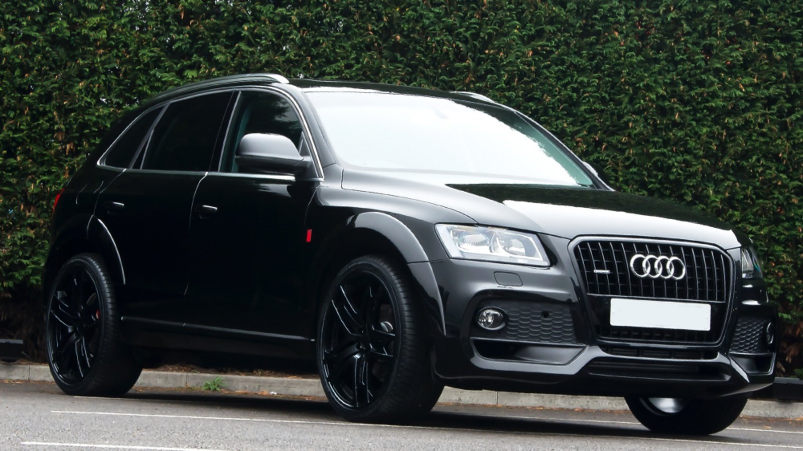 2014 audi q5 brilliant black by kahn design review top speed. Black Bedroom Furniture Sets. Home Design Ideas