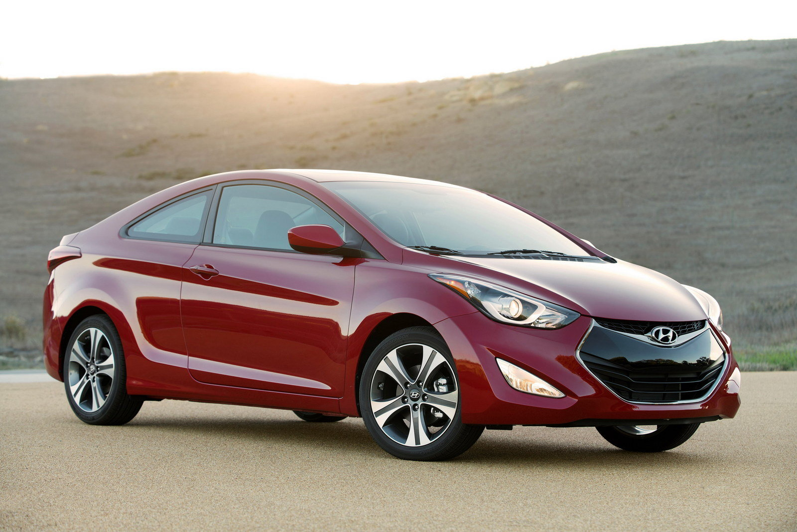 2014 hyundai elantra coupe review top speed. Black Bedroom Furniture Sets. Home Design Ideas