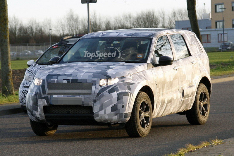 2016 Land Rover Baby Discovery Exterior Spyshots - image 539130