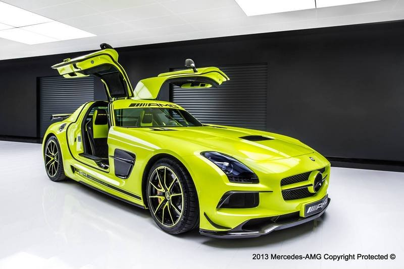 2014 Mercedes-Benz SLS AMG Black Series by AMG Performance Studio