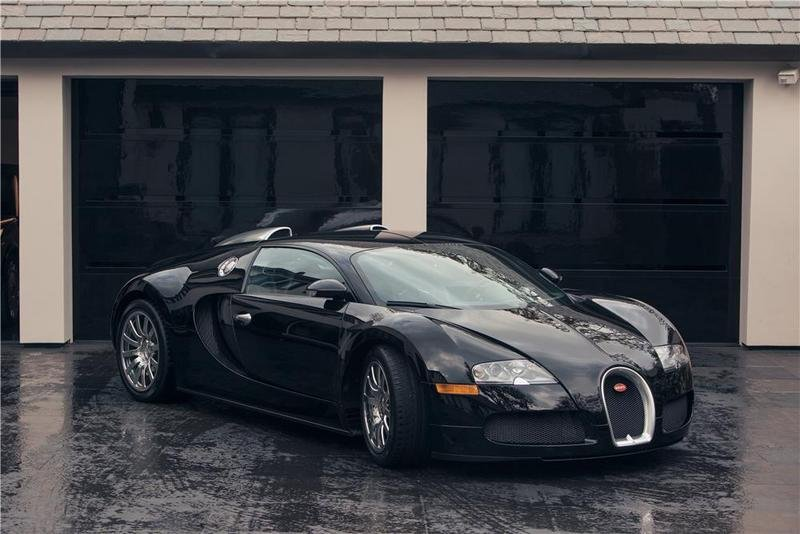 Simon Cowell's Bugatti Veyron will be Auctioned For Charity