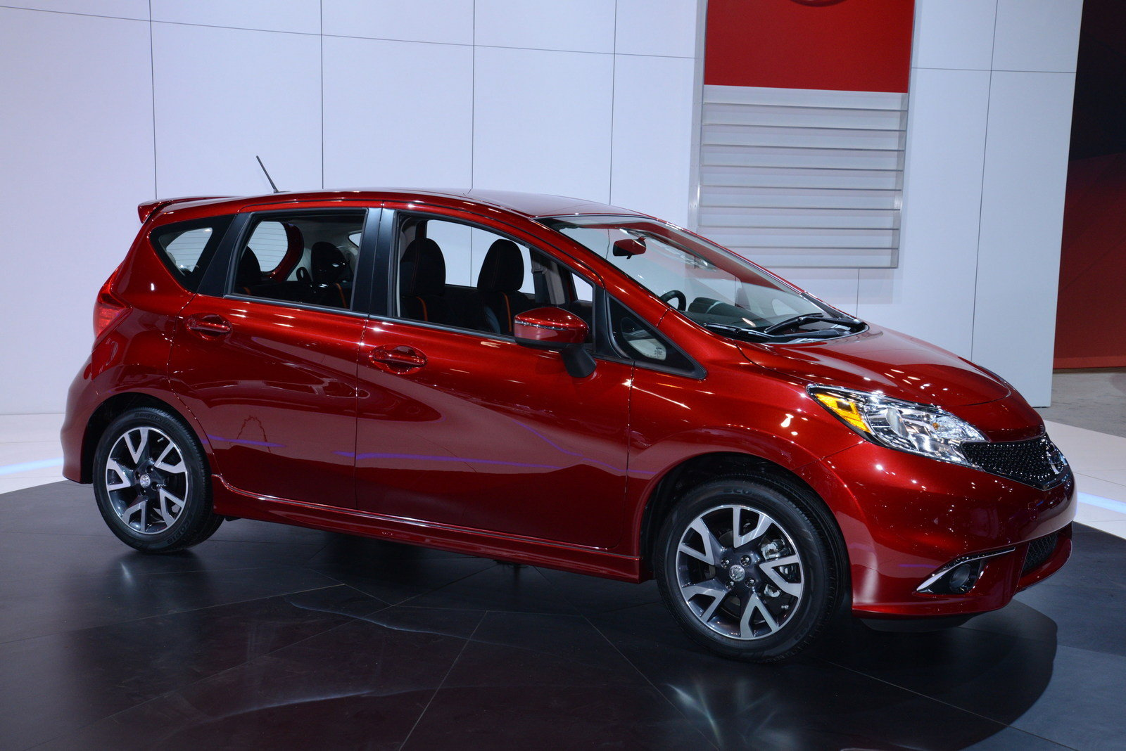 2018 nissan versa note prices incentives dealers truecar autos post. Black Bedroom Furniture Sets. Home Design Ideas